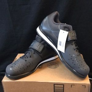 NWOT adidas Mens Powerlift 3.1 Cross Trainer Shoes